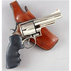 Smith & Wesson Mdl 29-4 Cal .44mag SN:BBL2721Double action 6 shot revolver chambered in  .44 magnum.