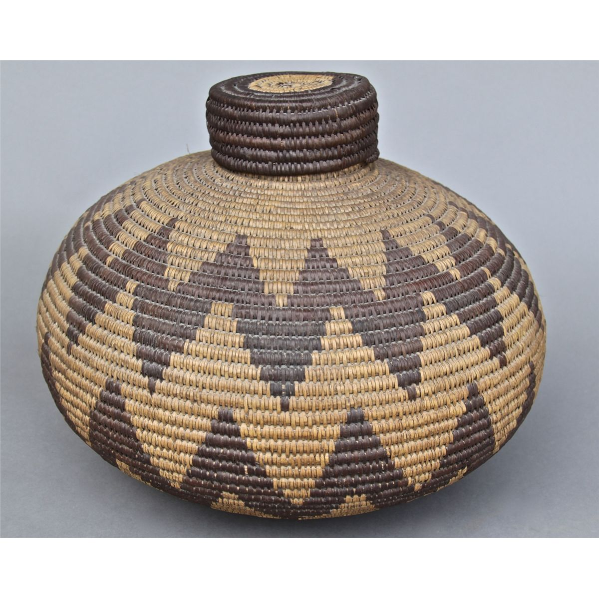 Native American Indian Old Woven Basket Woven Lid Height Lengt