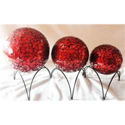 DECORATIVE RED SPHERES BLOWN GLASS WITH CLAY CENTERPIEC