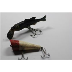 "3 1/2"" L&S Bass-Master 15 & 2 1/2"" Unmarked lure"