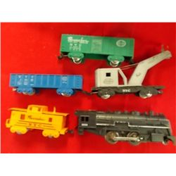 Electric train set engine and 4 cars