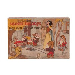 1939 Complete Snow White and the 7 Dwarfs figures play set with box