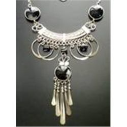 AWESOME SILVER/SILVER TONE BLACK/WHITE PERUVIAN GLASS NECKLACE.  TRIBAL