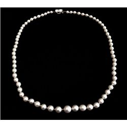 Art Deco pearl necklace with diamond clasp