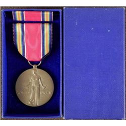 ORIGINAL WWII VICTORY MEDAL RIBBON & RIBBON BAR IN BOX