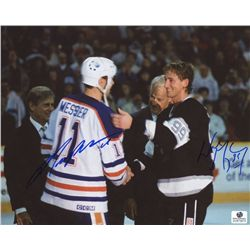 Wayne Gretzky & Mark Messier Signed 8x10 Photo (GA COA)