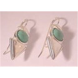 Genuine  STERLING SILVER ARROW EAR BOB DROP PIERCED EARRINGS  VINTAGE GREEN STONE MINT