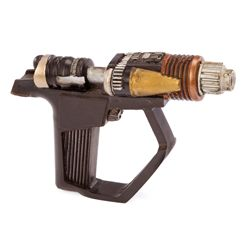 ALIEN PHASER FROM STAR TREK: DEEP SPACE NINE