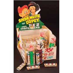 SNOW WHITE AND DOPEY DISPLAY BOX (4 DISPENSERS AND CANDY)