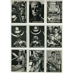 COMPLETE LOST IN SPACE TRADING CARD SET W/1 WRAPPER