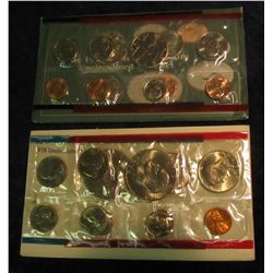 819. 1978 & 1993 US Mint Sets. Original as Issued.