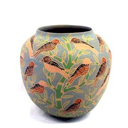 Mata Ortiz Sgrafitto Bird Pottery by Jose Villa