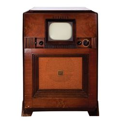 VINTAGE EARLY LARGE-CABINET RCA SMALL-SCREEN CONSOLE
