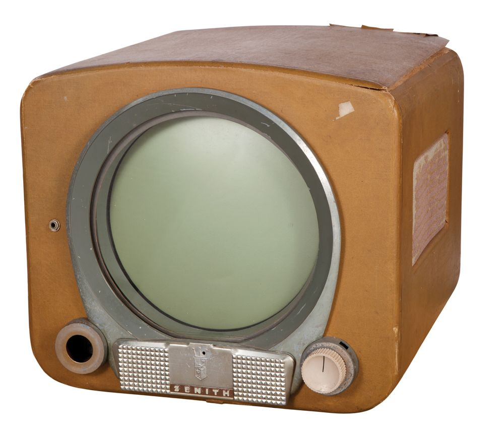 Vintage Round televisions screen