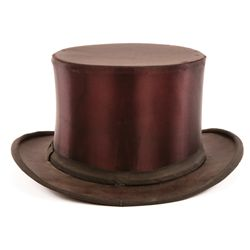 "DUDLEY MOORE ""ARTHUR"" SIGNATURE SCREEN-WORN TOP HAT FROM ARTHUR"