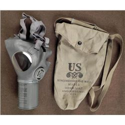 WWII U.S. M1A2-1-1 NON COMBATANT'S GAS MASK