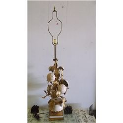 shabby chic tole-painted metal Lamp