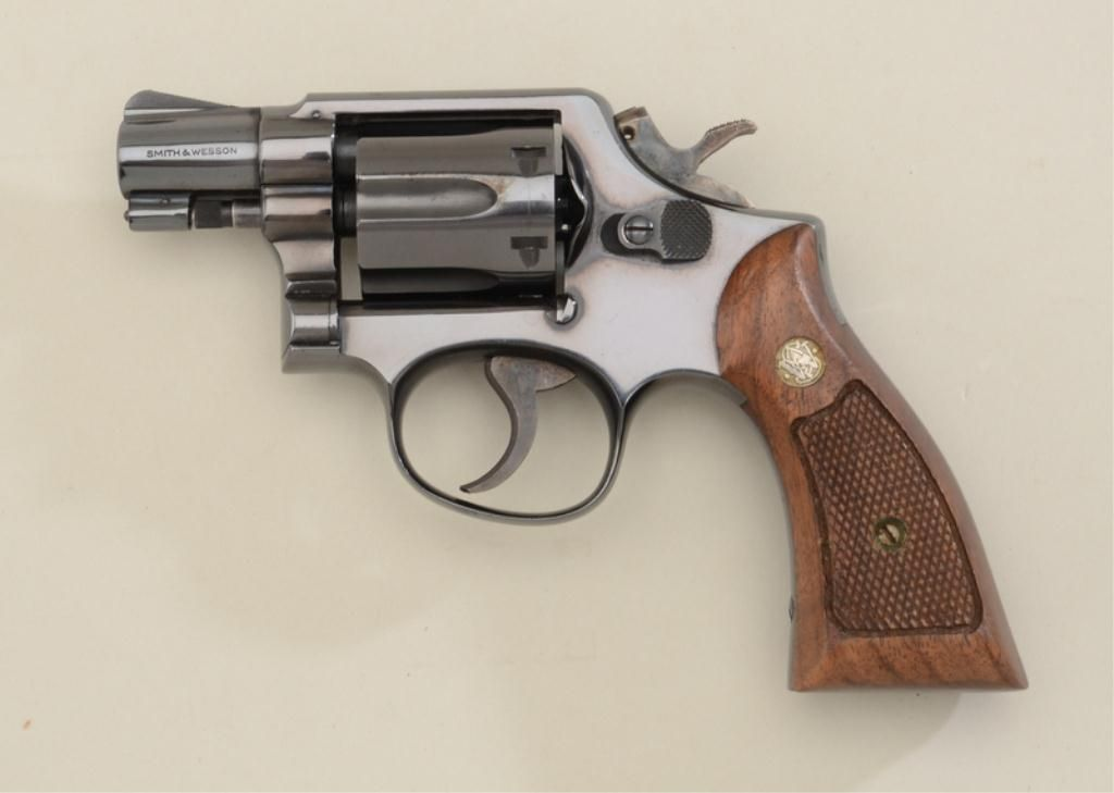 dating smith and wesson model 10