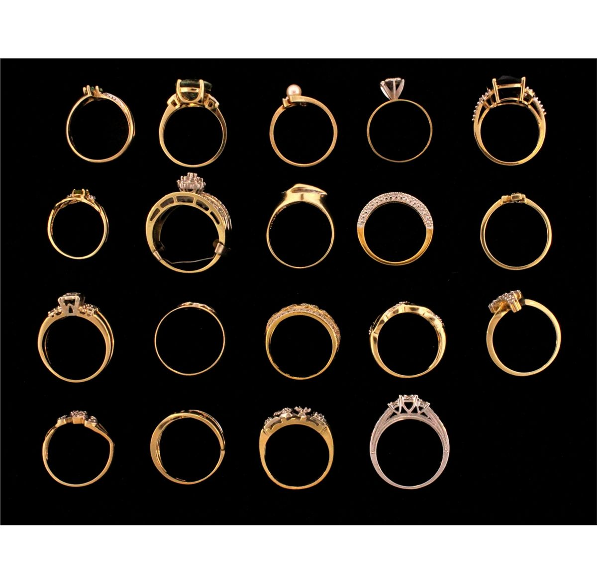 RING: Large Lot Assorted Gold Rings