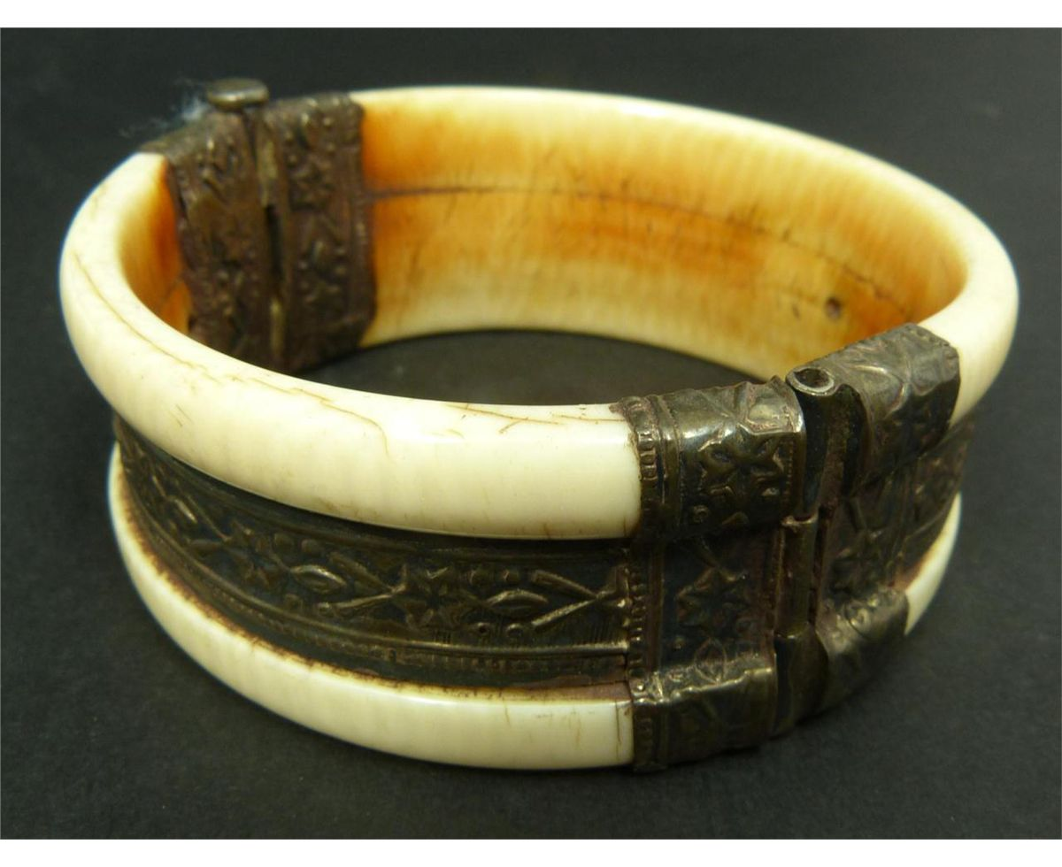 carved jewelry rabbits kingdom hinged bracelet bangle index bangles ivory design rabbit