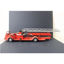 MODEL LADDER FIRETRUCK - WORKS - 33""