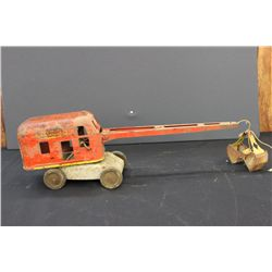 SOLID WYANDOTTE CRANE - NEEDS PAINT - 20""