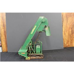 BARBER GREEN PORTABLE LOADER - WORKS - NEEDS 1 CHAIN