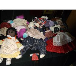 Lot of nine, vintage cloth dolls