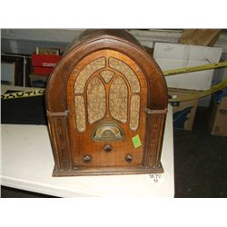 antique Atwater Kent cathedral radio tracking 396