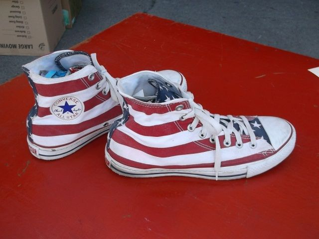 converse stars and stripes shoes