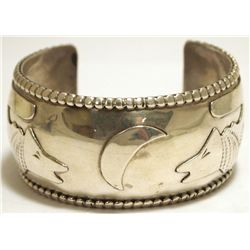 Old Pawn Navajo Sterling Silver Coyotes & Moon Cuff Bracelet - Hije