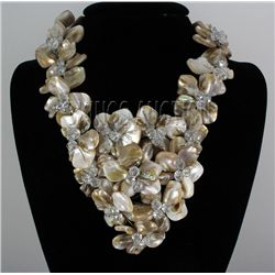 """16"""" CHOCOLATE FROTH MOTHER OF PEARL NECKLACE METAL LOCK"""