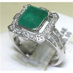 18K GOLD DIAMOND AND EMERALD RING