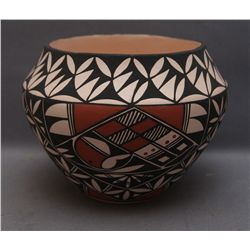 ACOMA POT