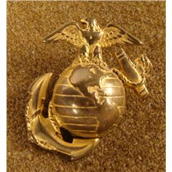 WWII CAMPAIGN HAT MARINE INSIGNIA BRASS -SCREW BACK