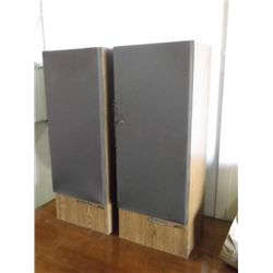 2 JVC Stereo Speakers 3' Tall