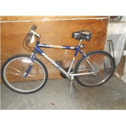 "Huffy blackwater 24"" 18 speemens bike"