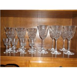 6 red wine glasses, 6 white wine glasses and 4 cordial glasses all are hand cut crystal 16 pieces to