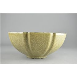 Chinese Song-Style Crackle Glazed Porcelain Bowl