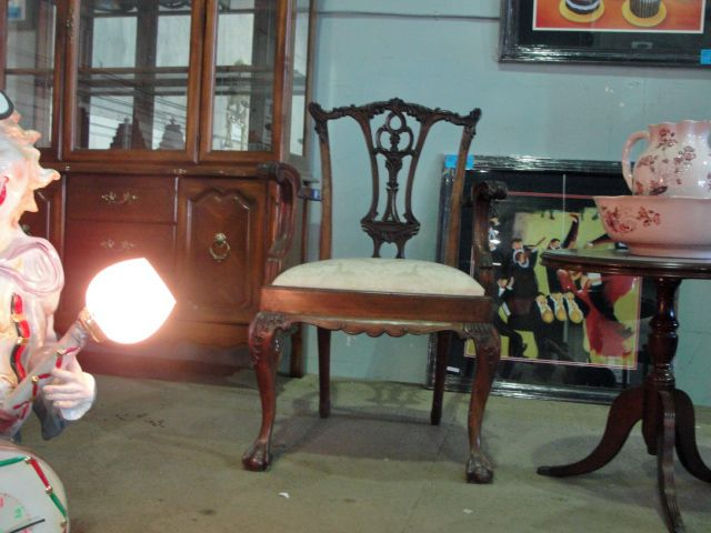 Image 1 : Chip N Dale Style Carved Mahogany Arm Chair
