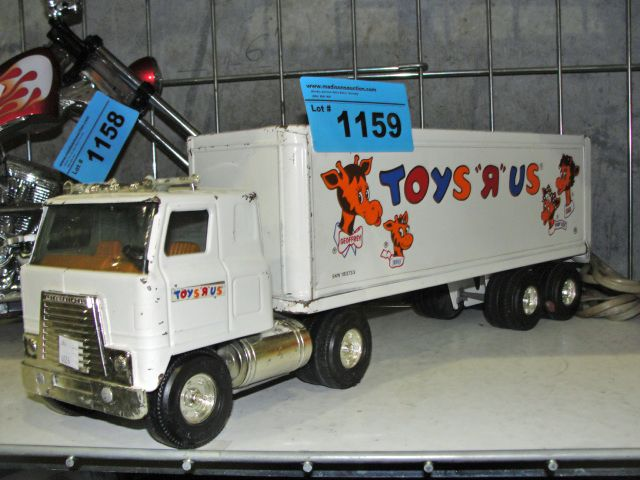Toy Semi Trucks And Trailers : Vintage toys r us semi truck and trailer metal toy
