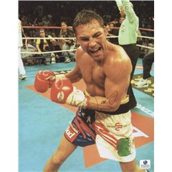 Oscar de la Hoya Signed 8x10 Photo (GA COA)