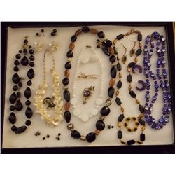 Lot of Necklaces, Earrings, and Brooches. Vintage Costume Jewelry Lot of Necklaces, Ear Rings, and B