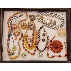 Lot of Necklaces, Earrings, and Brooches with Mult Vintage Costume Jewelry Lot of Necklaces, Earring