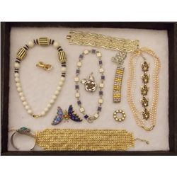 Lot of Necklaces, Bracelets, and Brooches Vintage Costume Jewelry Lot of Necklaces, Bracelets, and B