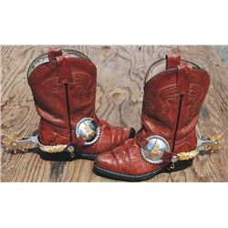 Kids boots and spurs