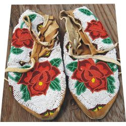Shoshone full beaded moccasins