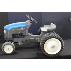 HEAVY METAL RIDING TRACTOR BY NEW HOLLAND - 175 PRESTIGE SERIES #1 BY ERTL - 36  X 25