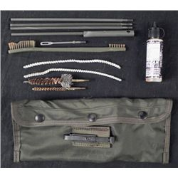 U.S. ARMY M16A1 RIFLE GUN CLEANING KIT IN POUCH