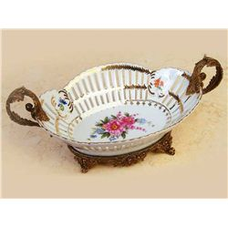 FINE PORCELAIN FRUIT BOWL / CANDY DISH